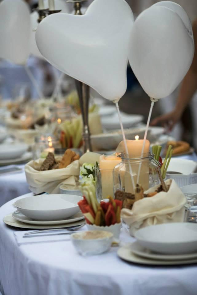 Allestimento cena in bianco a Monza 4